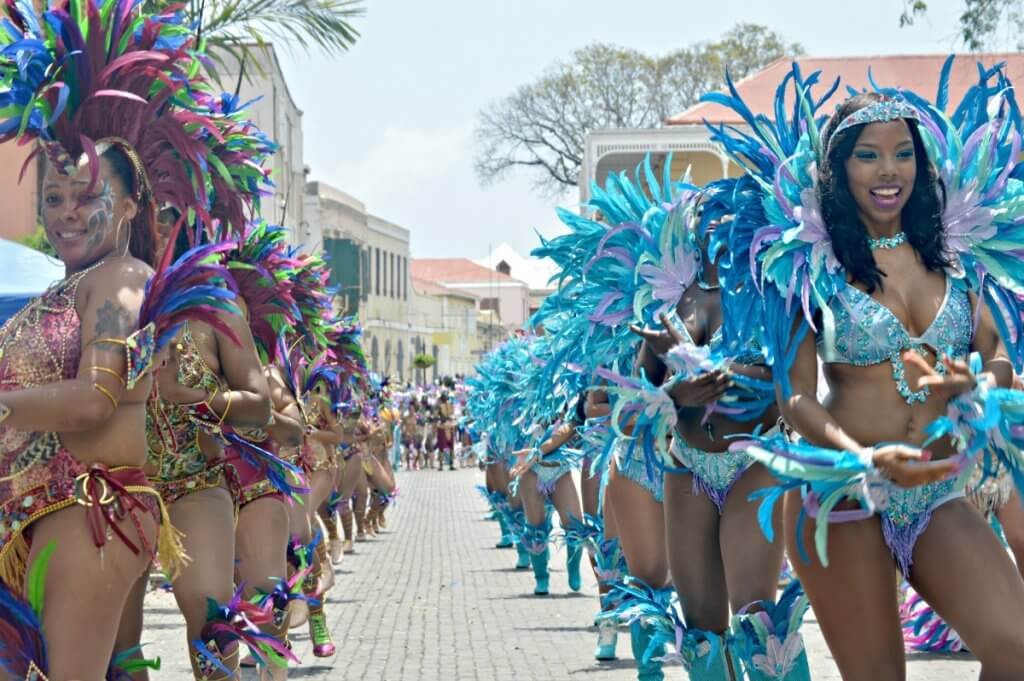 vacation in st thomas during carnival adults parade